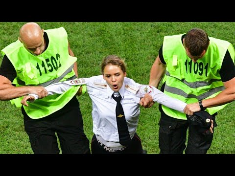 15-day jail sentence for Pussy Riot activists after world cup pitch invasion thumbnail