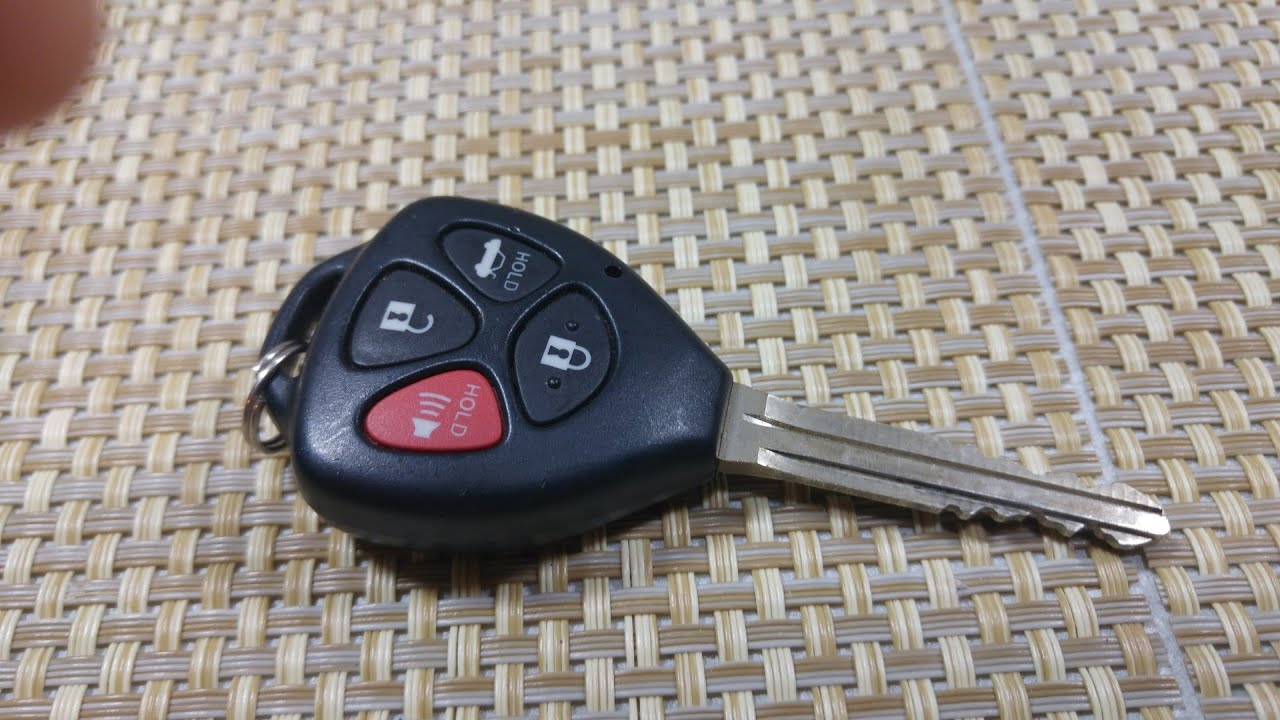 how to replace keyless entry key fob battery on a toyota corolla avalon venza. Black Bedroom Furniture Sets. Home Design Ideas