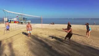 Волейбол на пляже Акватории Лета. Активный отдых в Ейске на Азовском море
