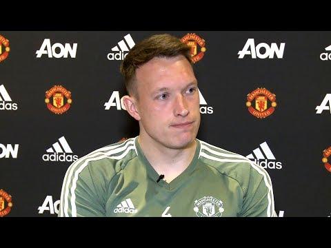 Phil Jones - 'Sir Alex Ferguson Has Support Of Football Around The World'