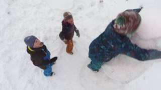 Смотреть Баба снежная или веселое видео) онлайн