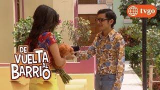 ¡Fideito no se rinde y le da sorpresa de amor a Estelita! - De Vuelta al Barrio 12/12/2018