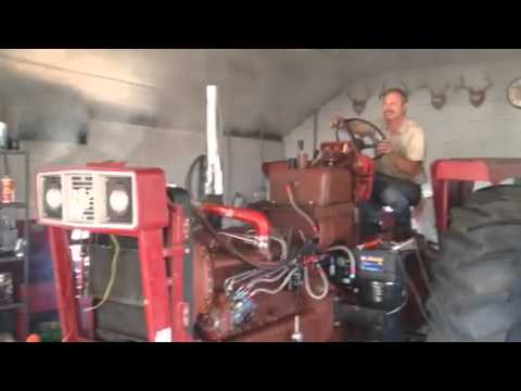 IH 966 Pulling Tractor - First Start (Cam Lope)