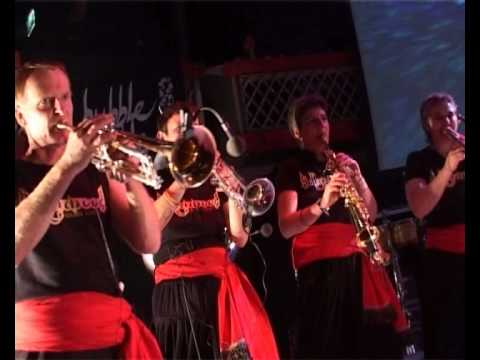 Gur Nalon Ishk Mitha - Bollywood Brass Band