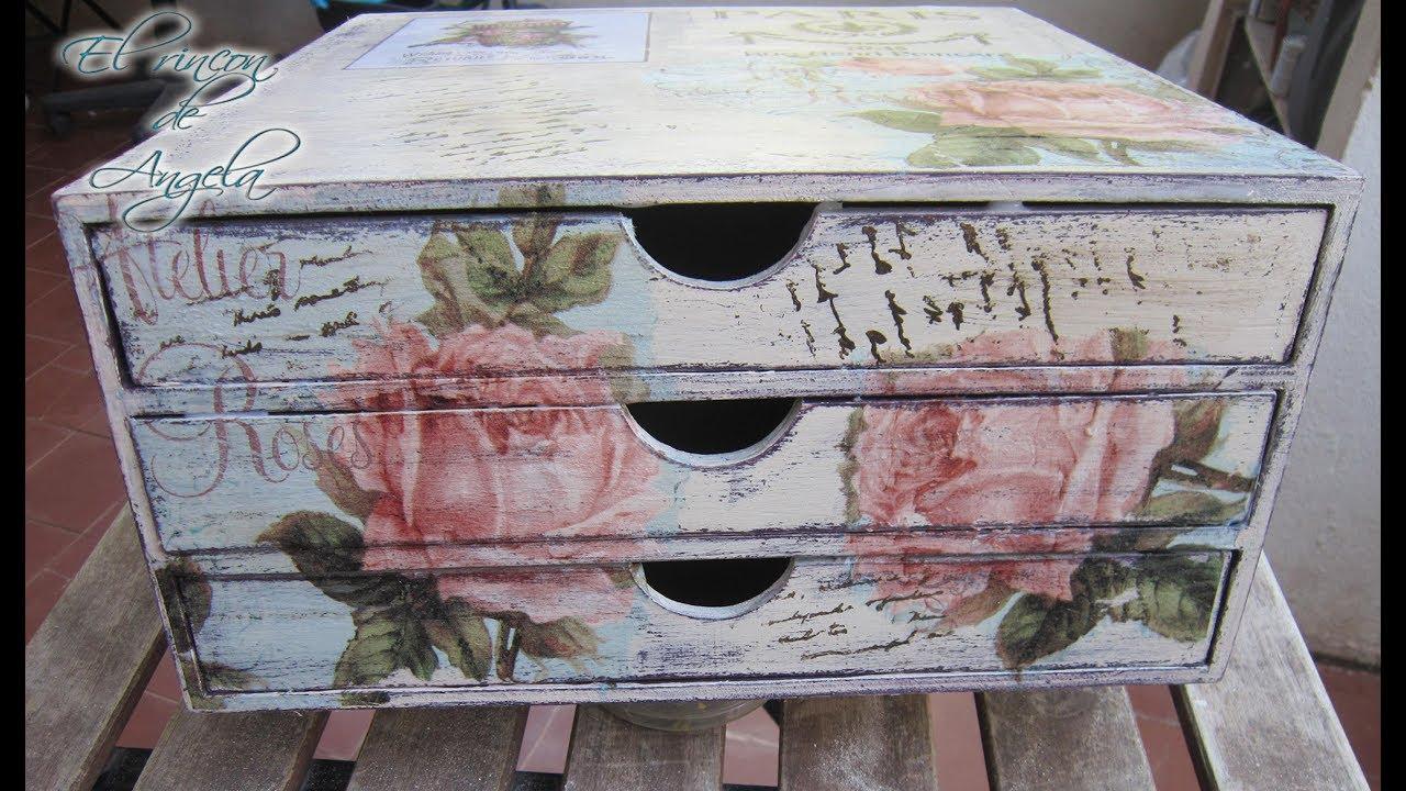Como decorar una cajonera de madera con decoupage y - Decorar muebles con tela ...