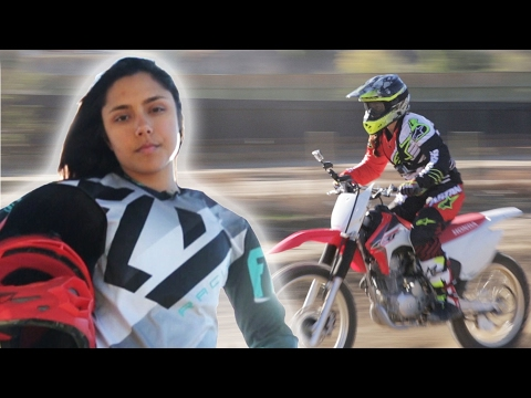 Thumbnail: Women Race Dirt Bikes For The First Time