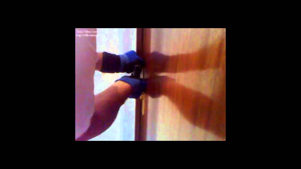 Como abrir una puerta cerrada sin llave en 26 segundos youtube - Abrir puerta sin llave clip ...