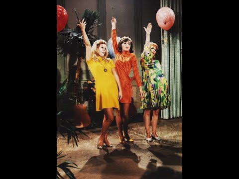 Girls Of Petticoat Junction Up,Up And Away Photo Slide