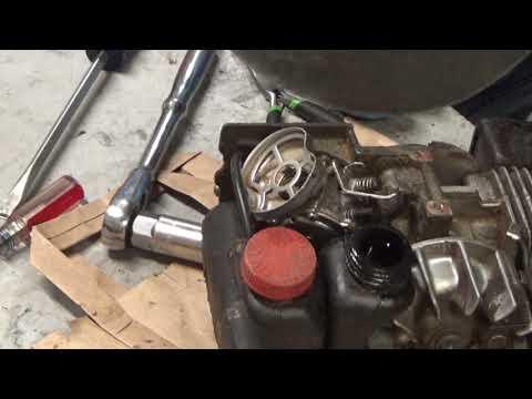 Homelite Super 2, XL, XL-2 Chainsaw Oiler System Explained & Checking For Duckbill Valve Tube