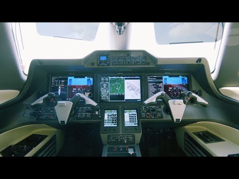 Meet the Training Aircraft | Emirates Flight Training Academy