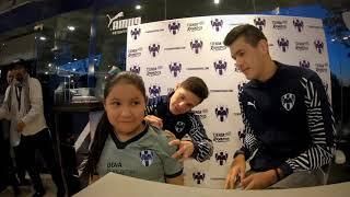 Rayados convivió con la Afición albiazul en la Tienda Rayados Oficial ubicada en el Estadio BBVA Bancomer, en una firma de autógrafos con César Montes y Alfonso González.