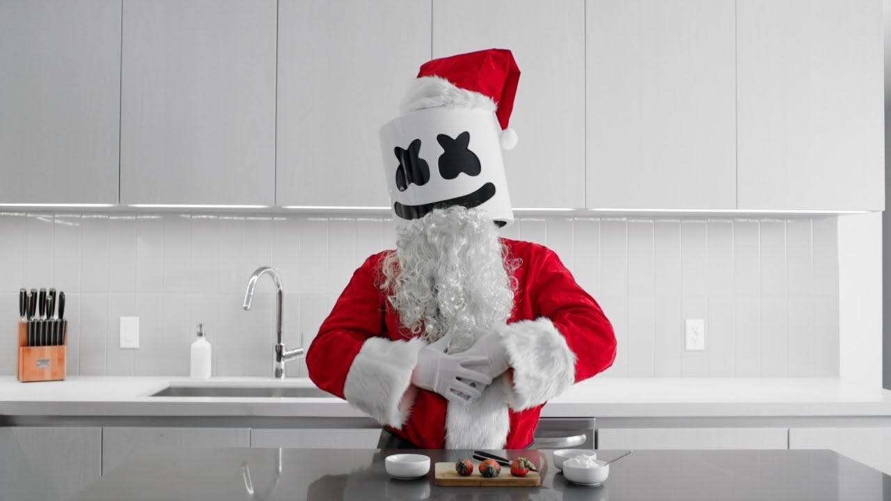 cooking-with-marshmello-strawberry-santas-christmas-edition