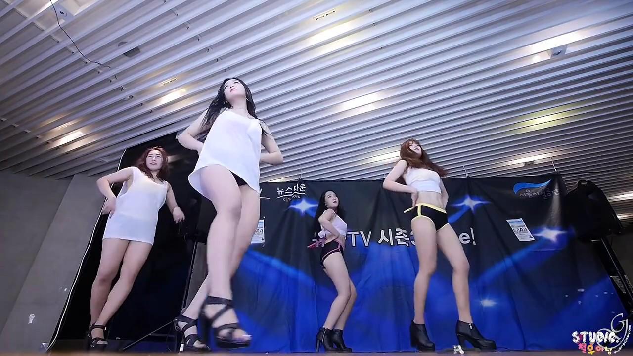 Siêu Phẩm Remix - LK Nhạc Cách Mạng Cô Gái Mở Đường - Gái Xinh Nhảy Đẹp