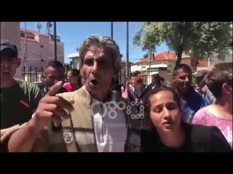 """Ora News - """"E dhunuan, i bënë gjilpëra"""", familjarët e viktimës në Korçë akuzojnë policinë"""