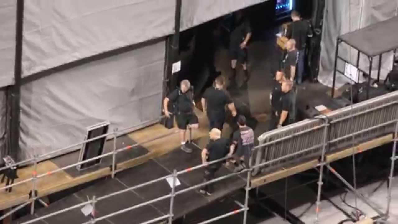 Download One Direction Backstage At Metlife Stadium 8/4/14.