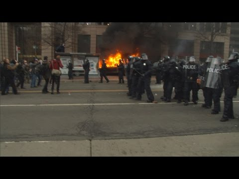 Police Use Pepper Spray, Tear Gas and Arrest Over 200 at Trump Inauguration Protest