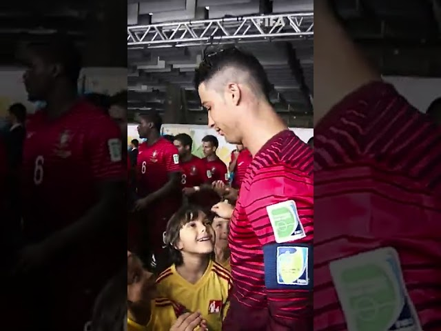 🤩  Cristiano delights young fans | #Shorts