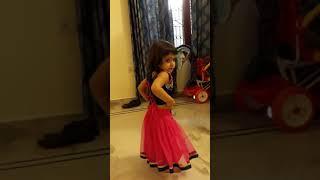 Cute Baby Girl Dance ( Nachde Ni Saare)