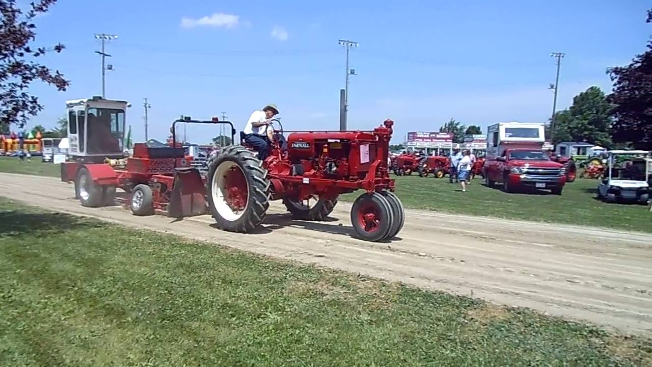 Tractor Pull Sled Flag : Farmall f on pulling sled youtube