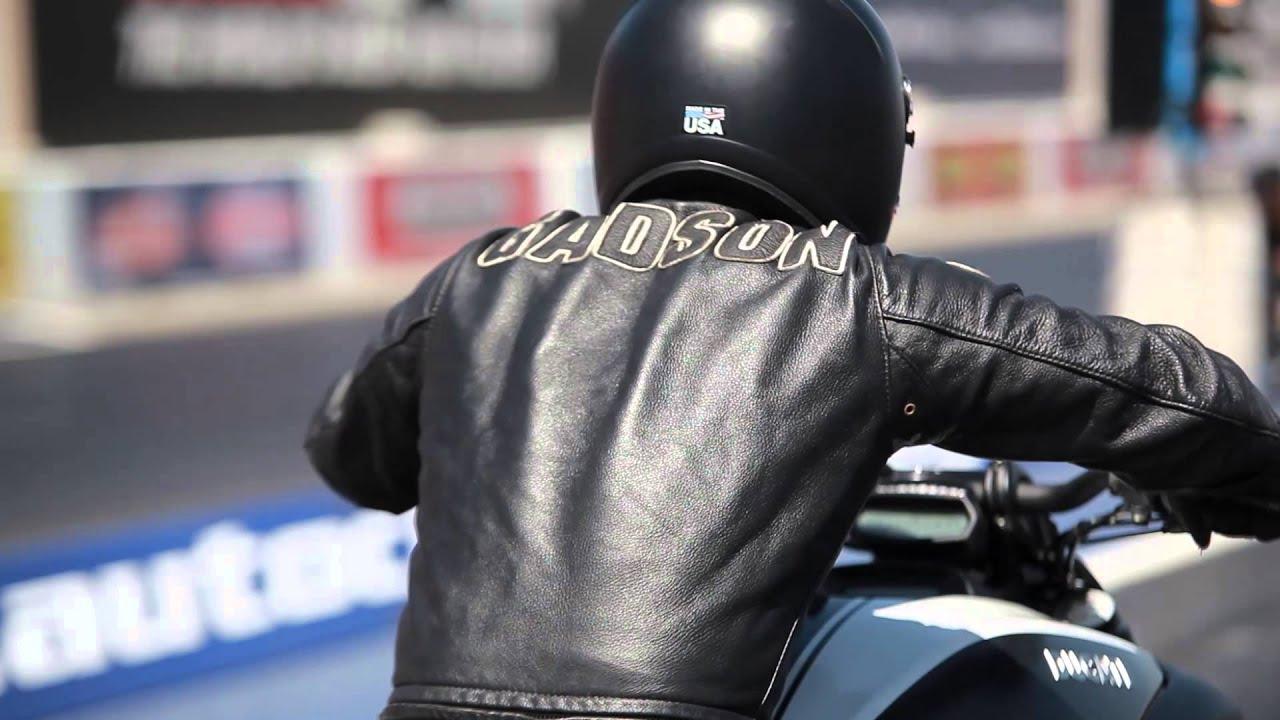 画像: Smoked: 2014 Harley-Davidson Dyna Low Rider versus 2015 Ducati Diavel youtu.be