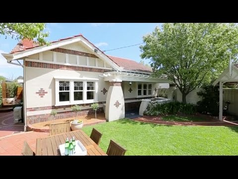 Marshall White: 1/380 Waverly Road Malvern East