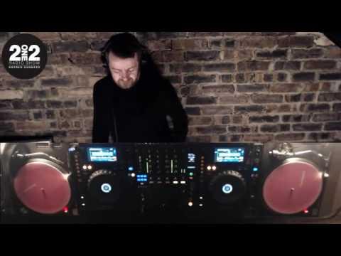 212 Radio Show Ep 302 - Darren Summers LIVE