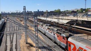 ЧС7-081 и 5 вагонов поезда 107 Кострома-Москва по новому главному станции Москва-Ярославская
