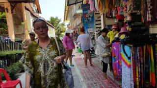 Koh Samet - Walking To Sai Kaew Beach