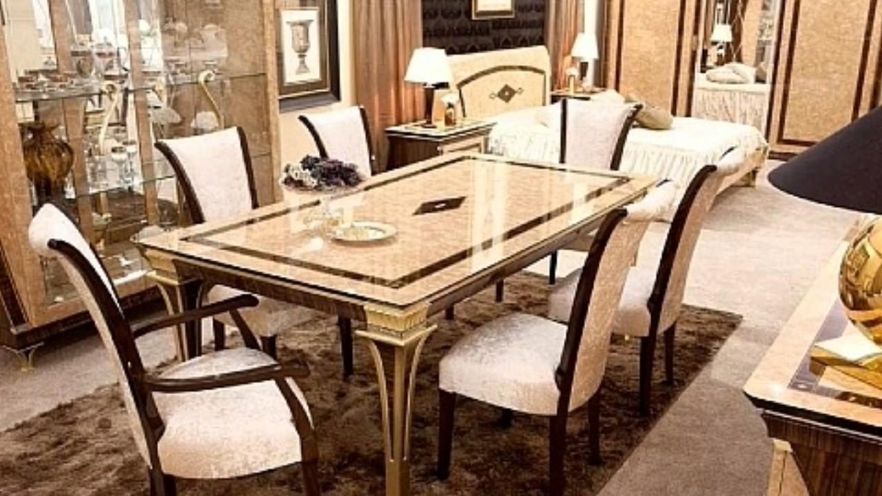 Italienische Wohnzimmermöbel