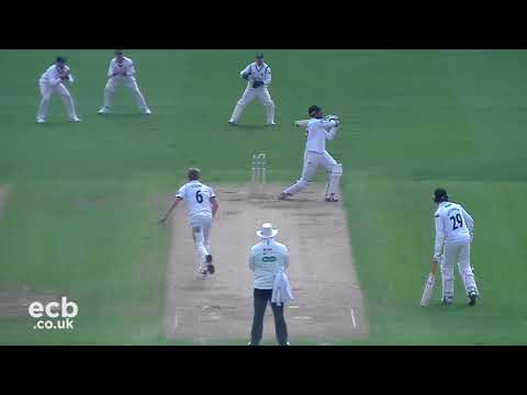 Warwickshire vs. Sussex - Specsavers County Championship - Day 4