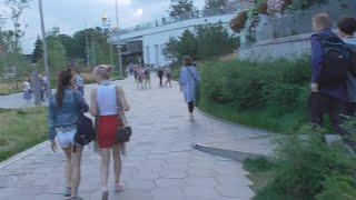 Влог парк зарядье москворецкая набережная vlog летом в конце вечер кафе рестораны под парящим мостом