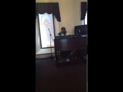 BRANDON JONES SHOUTING WITH HIS FINGERS