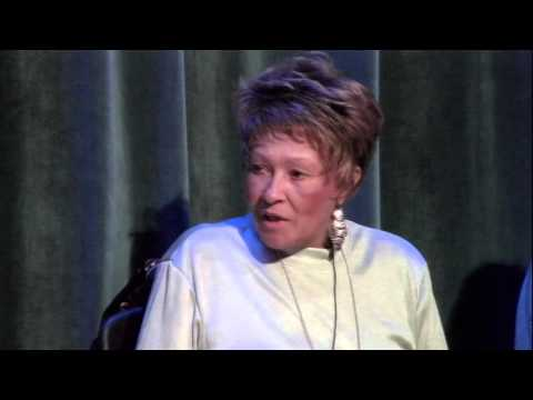 Cynthia Robinson on Meeting Sly Stone and Joining The Family Stone Mp3
