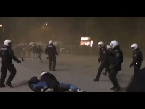 C3 FK Austria Wien - AS Roma Fight and Clash with police