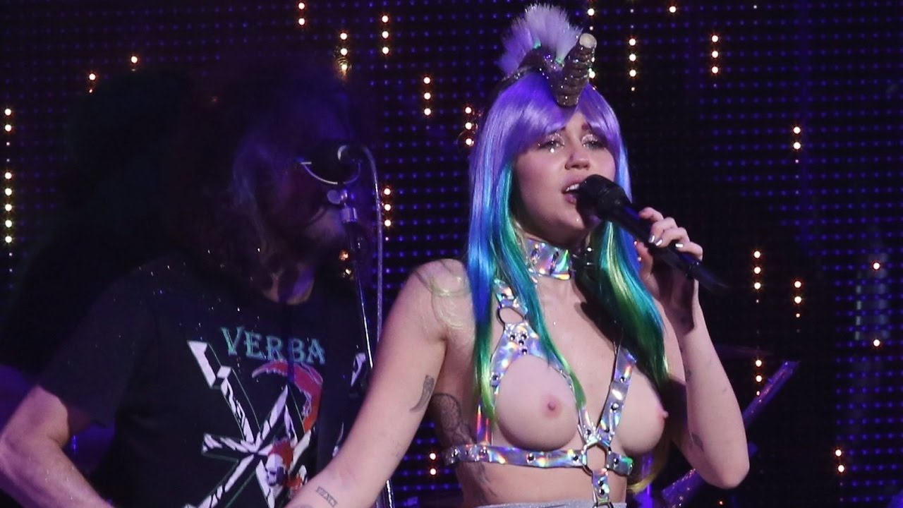 Miley Cyrus analsex