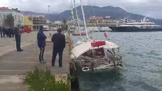 Ξύλινο ιστιοφόρο βυθίστηκε στο λιμάνι της Καλαμάτας