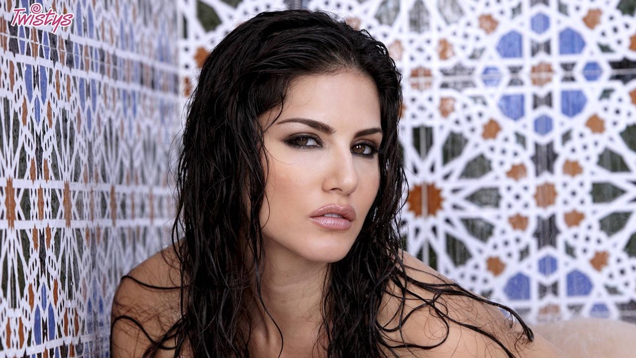 Showing Xxx Images For Pornstar Sunny Leone Xxx  Www -6197