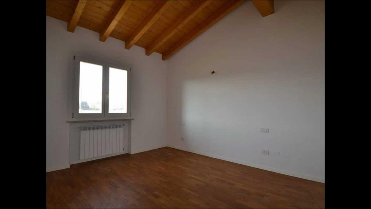 Appartamento con terrazzo di 30 mq a 200 m dalle spiagge a for Appartamento monolocale di 600 m
