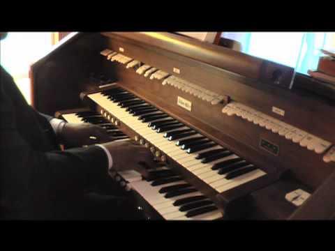 Sunday warmup on the Allen Organ