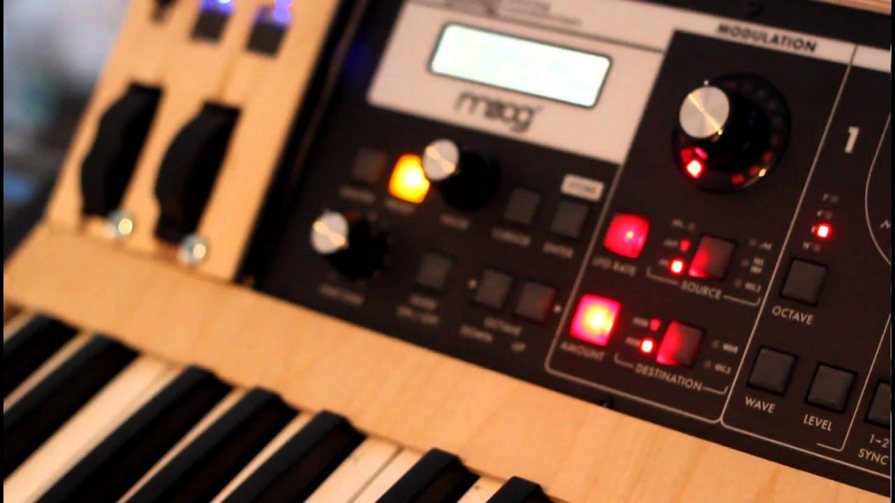 Moog Slim Phatty DIY midi keyboard - YouTube