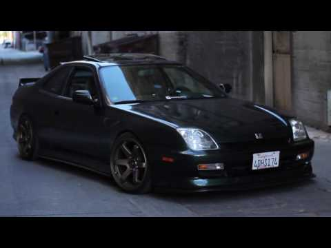 Super clean and nicely built Honda prelude..