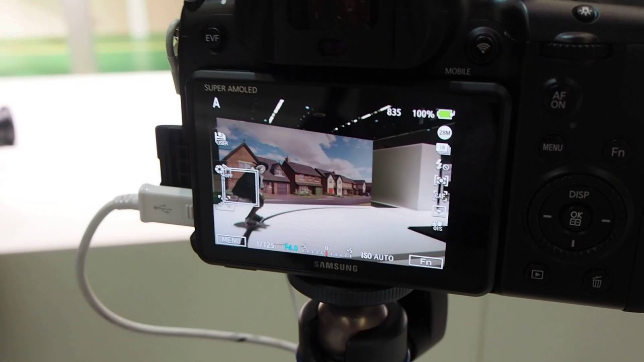 Photokina Q&A: Can the Samsung NX1 redefine pro performance with a