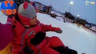 ✔ Кукла Беби Борн и Ярослава катаются на санках. Каникулы в Буковеле / Doll Baby Born / Bukovel ✔