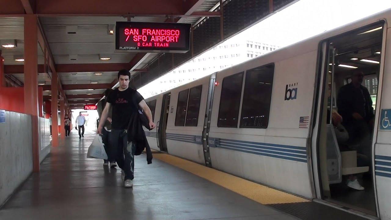 San Francisco Sfo Airport Train Arriving At Walnut Creek