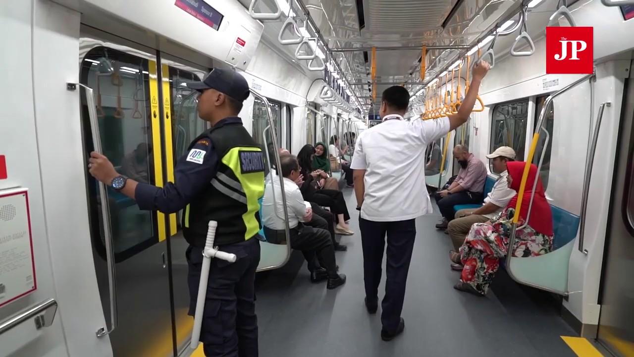 Mrt Jakarta Targets 285 600 Passengers In Public Trial Run Youtube
