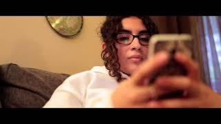 Carine adore texter Alloprof pour faire ses devoirs! thumbnail