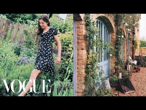 Natural Landscape Design Ideas - Miranda's Garden - Vogue