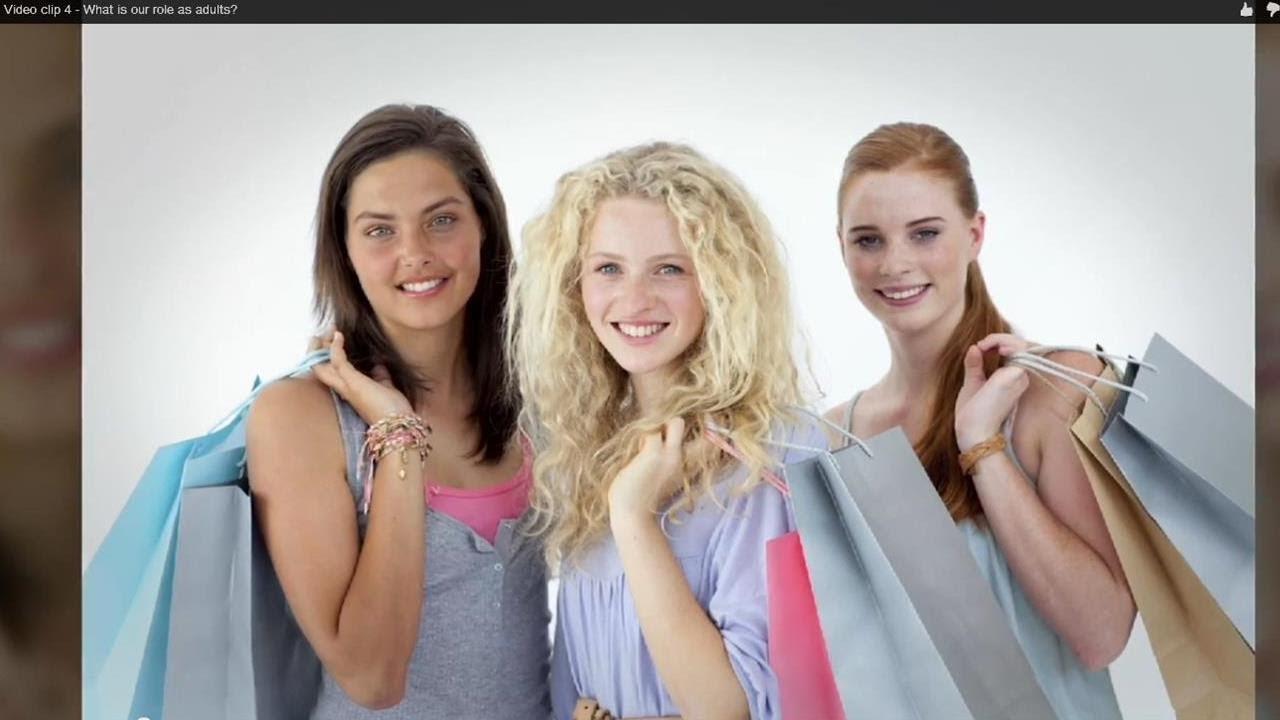 Daprès VTM, plus de 5 000 photos ou vidéos de jeunes femmes.