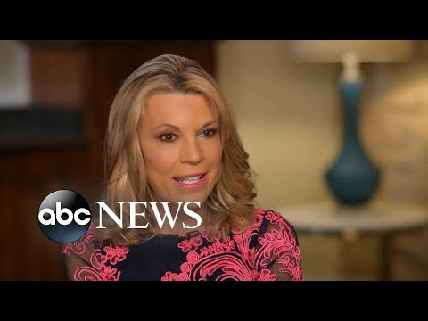 Vanna White takes 'Wheel of Fortune' helm for 1st time