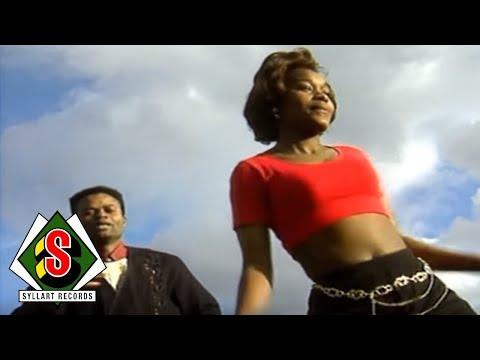 Felix Wazekwa -  Elanga Lilas (Clip Officiel)